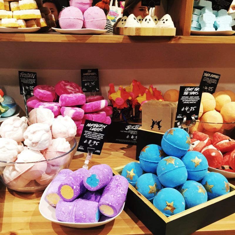 lush display bath bombs