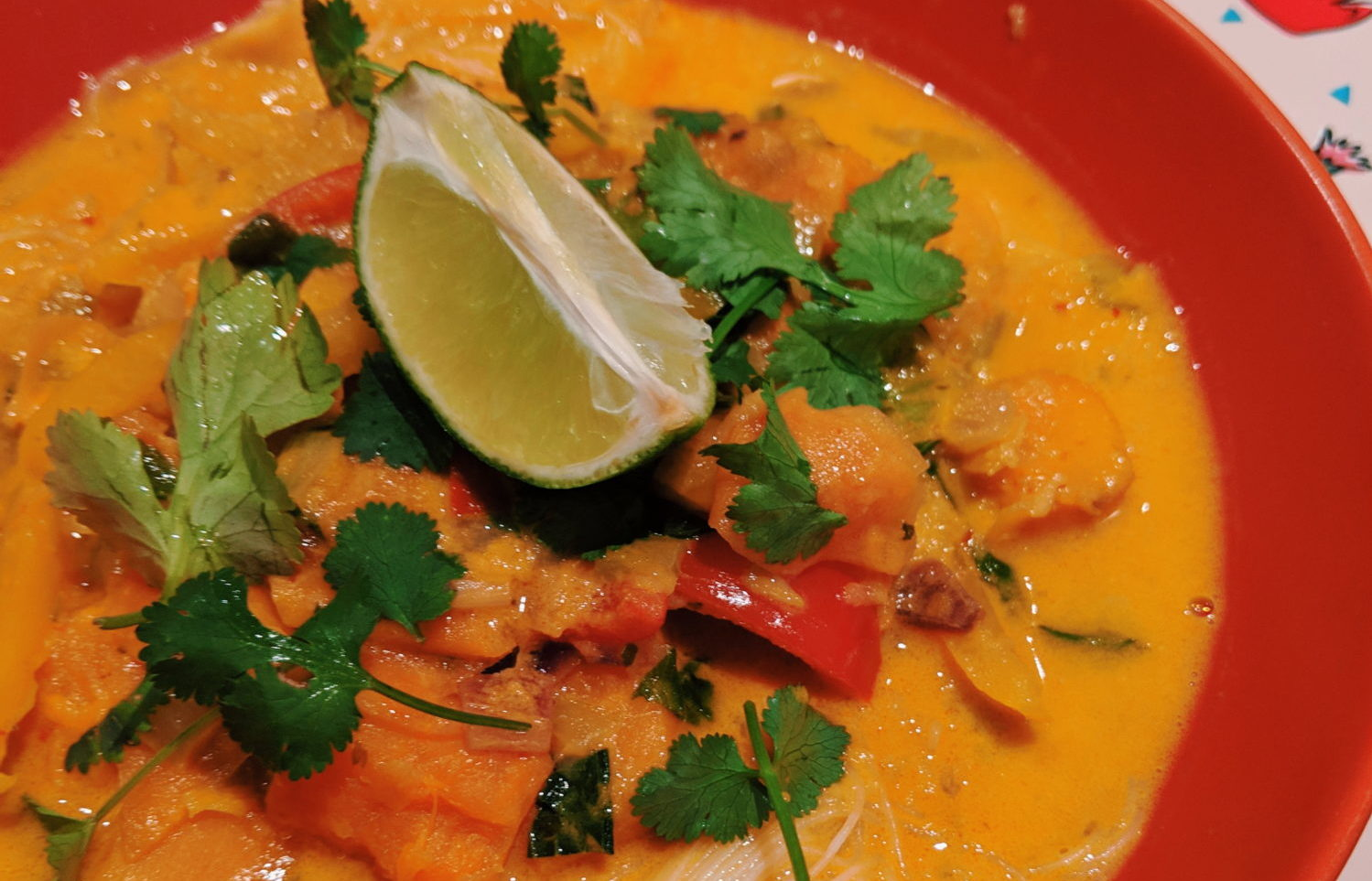 thai red curry noodle soup with lime